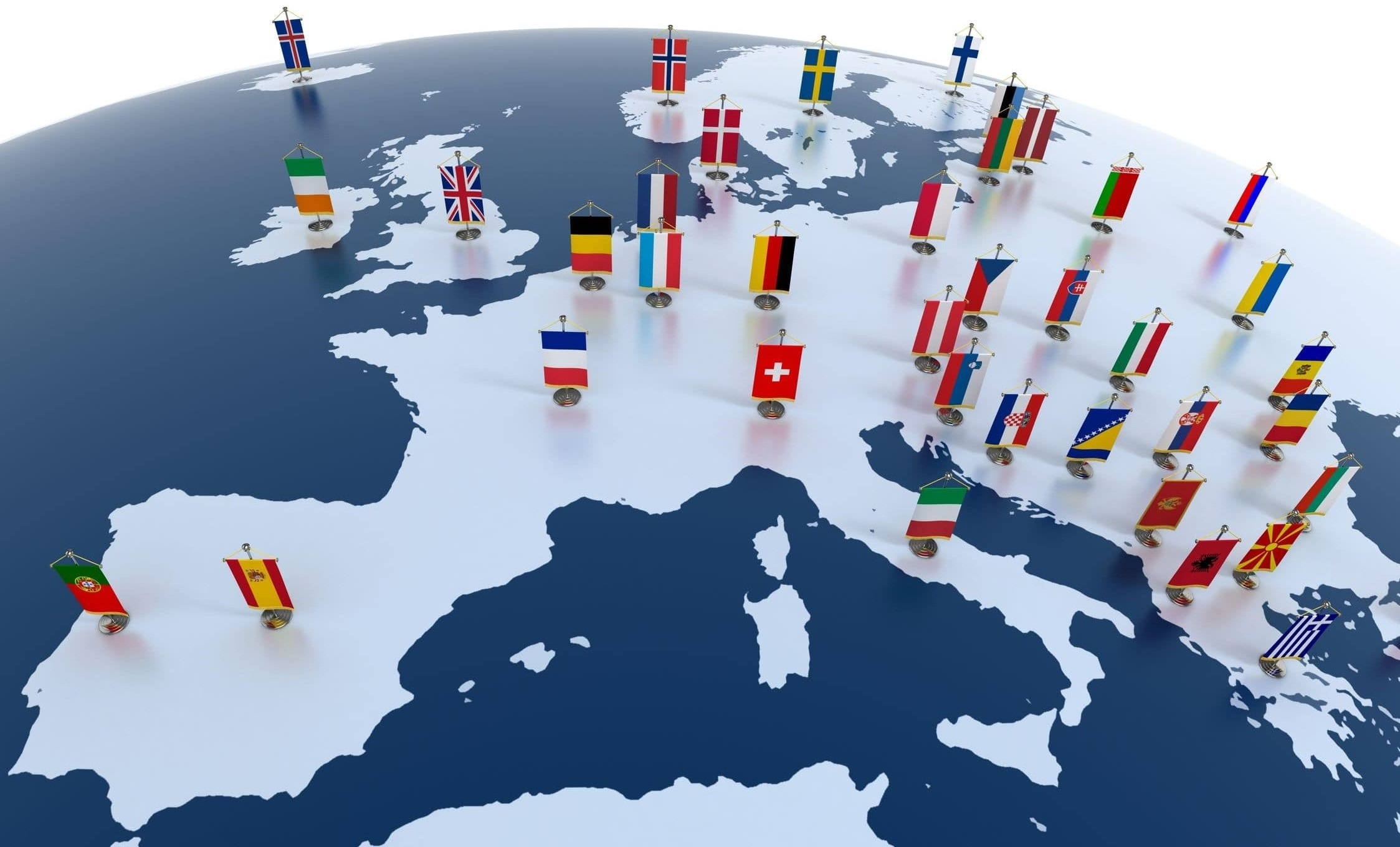 MAPA DE EUROPA CON BANDERAS